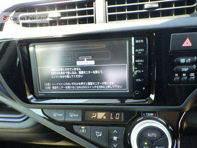 import 2018 Excellent condition  Neat and Clear interior and exterior 4 Grade  Auction sheet DVD player Navigation system