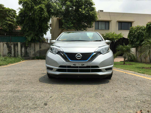Nissan Note Hybrid Cars For Sale In Pakistan Verified Car Ads