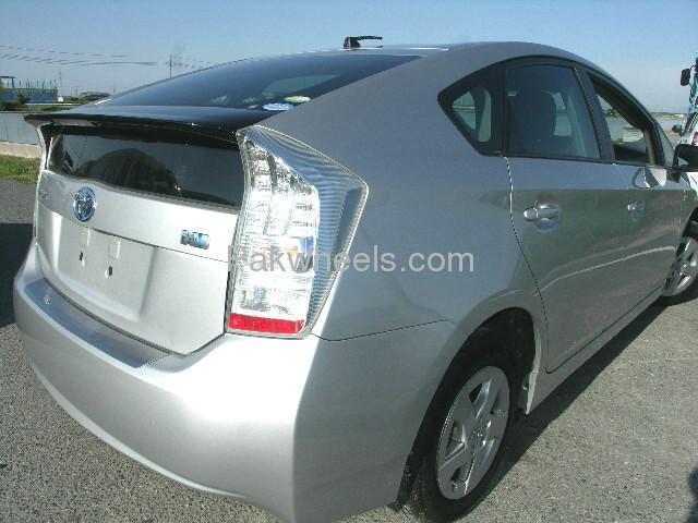 Toyota Prius L 1.8 2010 Image-4