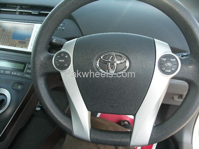 Toyota Prius L 1.8 2010 Image-5