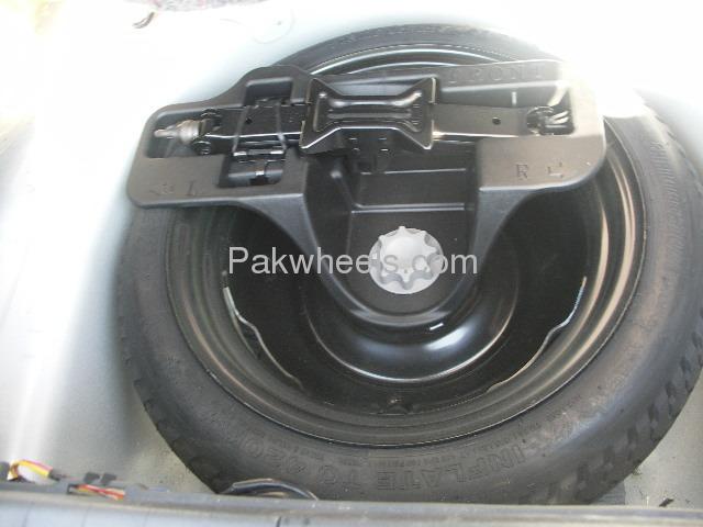 Toyota Prius EX 1.5 2010 Image-7