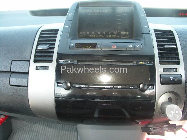 Toyota Prius EX 1.5 2010 Image-8