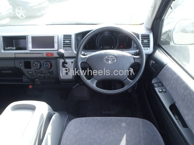 Toyota Hiace Grand Cabin 2009 Image-6