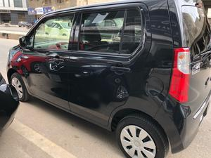 ®GARIWALA® Suzuki Wagon-R, 660C.c,  Black, FX-Package, Sofa Seat, Eco-Idle Stop Technology, Model 2016, Fresh cleared/import 2018, Original 4 -Grade Auction Sheet ( verifiable ), Original 6,000 K.M ( Verifiable )(0-meter), Climate Control Air-Conditioning, Original Smart Key Central Locking, Original Japanese Brand New Tyres,  Original Retractable Side Mirrors, Traction Control, Power Steering, Power Windows,  Safety Air-Bags,  Original CD-Player( company fitted), 100 Percent Genuine/ Guarantee.