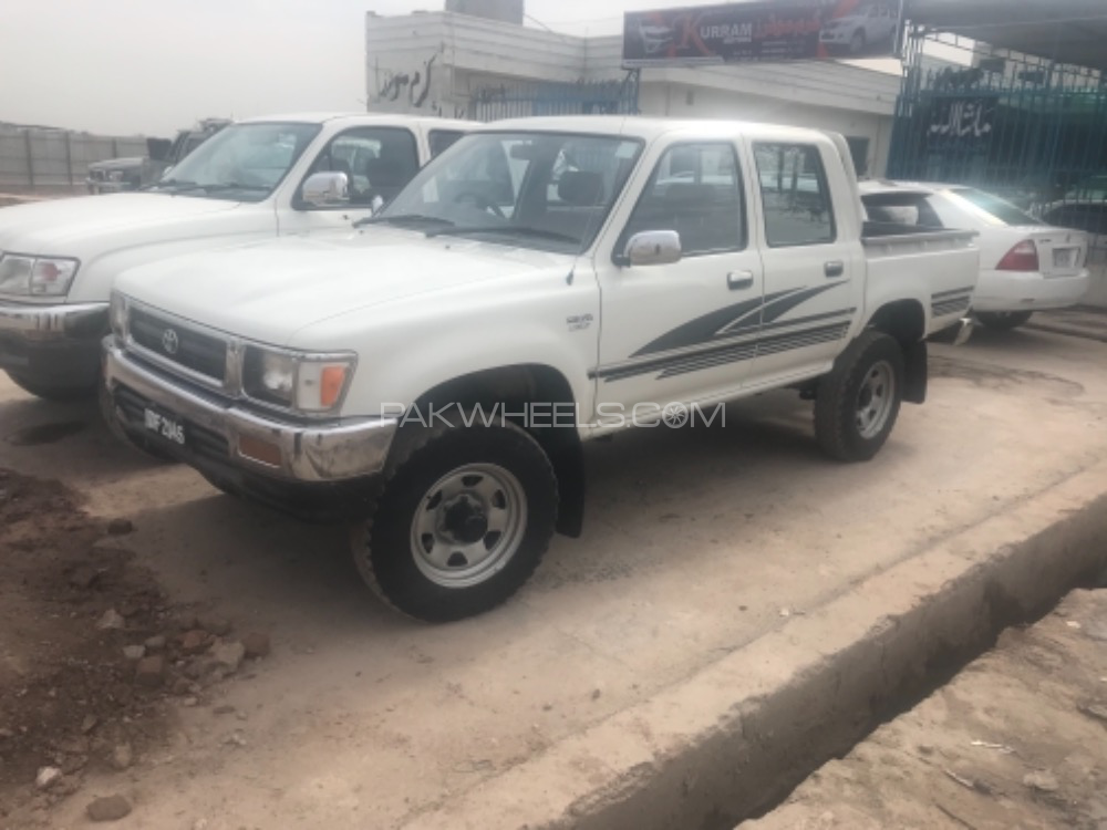 Toyota Hilux Double Cab 1994 Image-1
