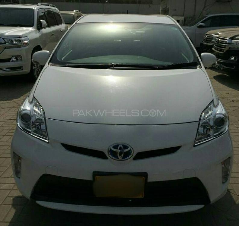 Used Toyota Prius S 1.8 2014