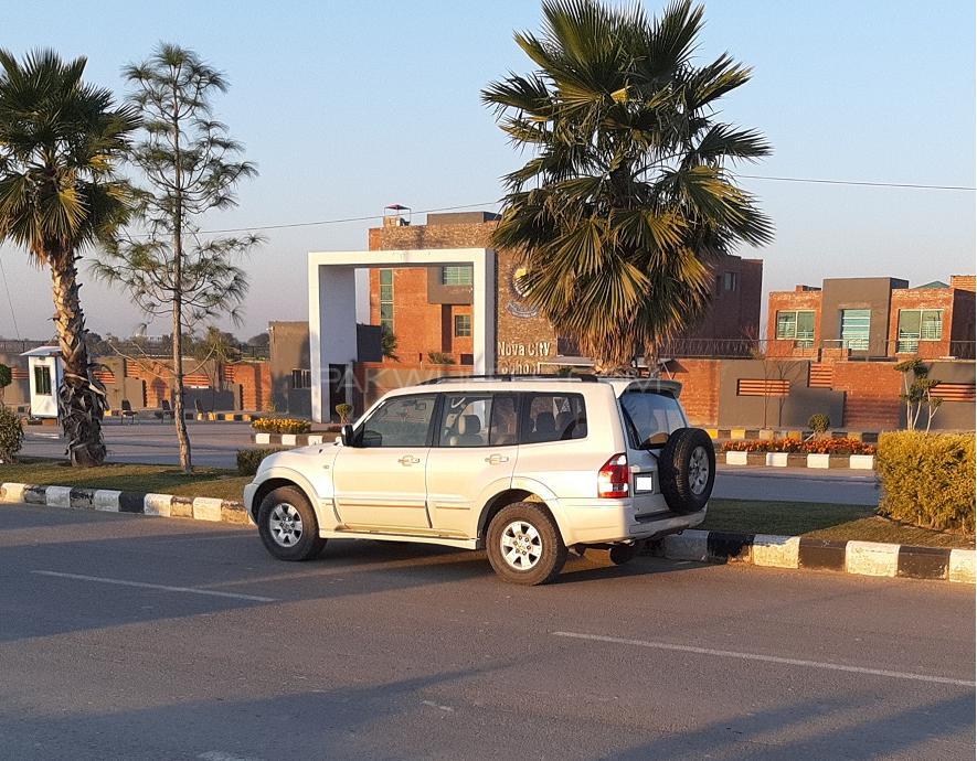 Mitsubishi Pajero GLS 2.8D 2005 Image-1