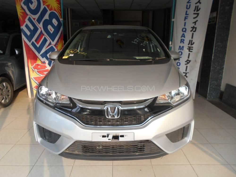 Honda Fit 1.5 Hybrid F Package 2016 Image-1