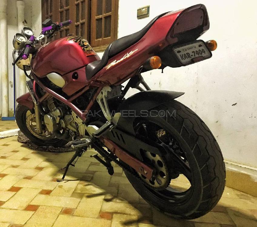 Used Suzuki Bandit 250VC 1992 Bike for sale in Karachi - 233155 | PakWheels