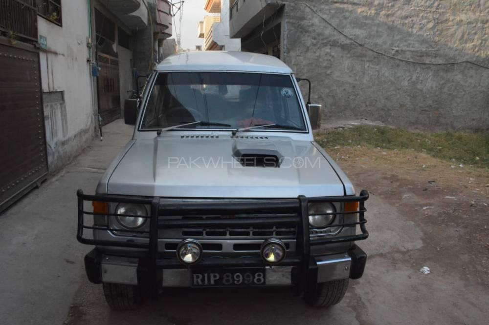 Mitsubishi Pajero Exceed 25D 1989