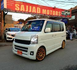 Slide_suzuki-every-wagon-pz-turbo-special-2013-27555908