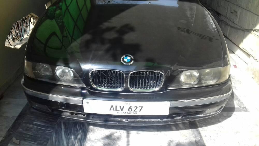BMW 5 Series 525i 2000 Image-1