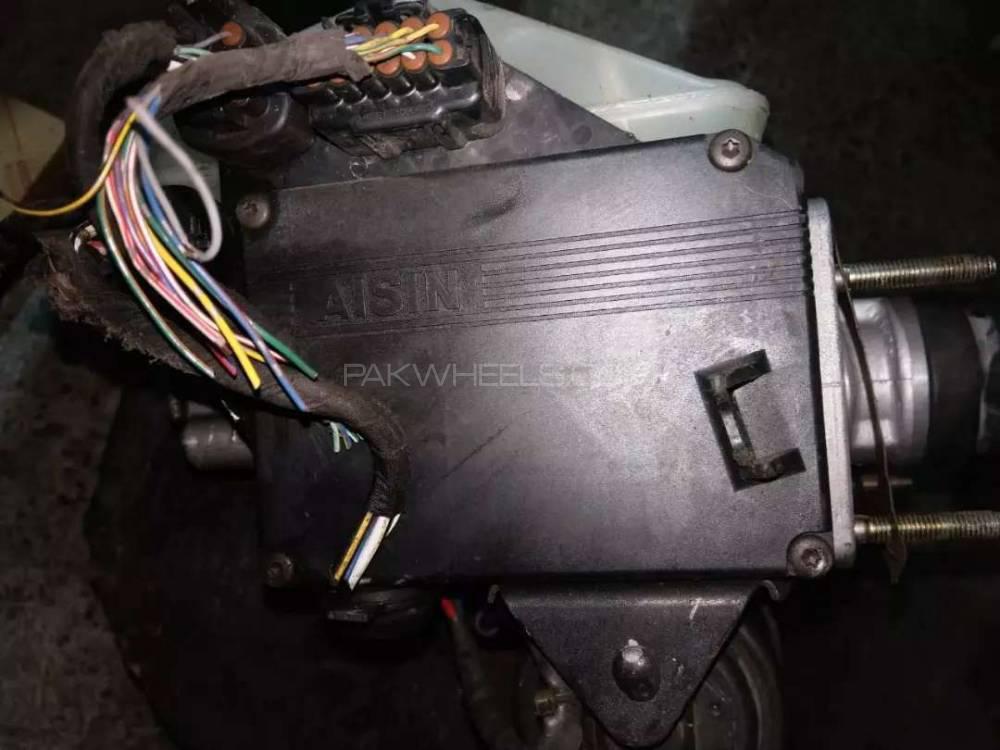 Genuine Abs Brake Pump Master Cylinder Actuator Land Cruiser Lexus 470 Image 1