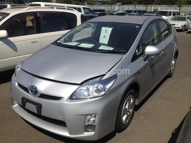 Toyota Prius L 1.8 2010 Image-1