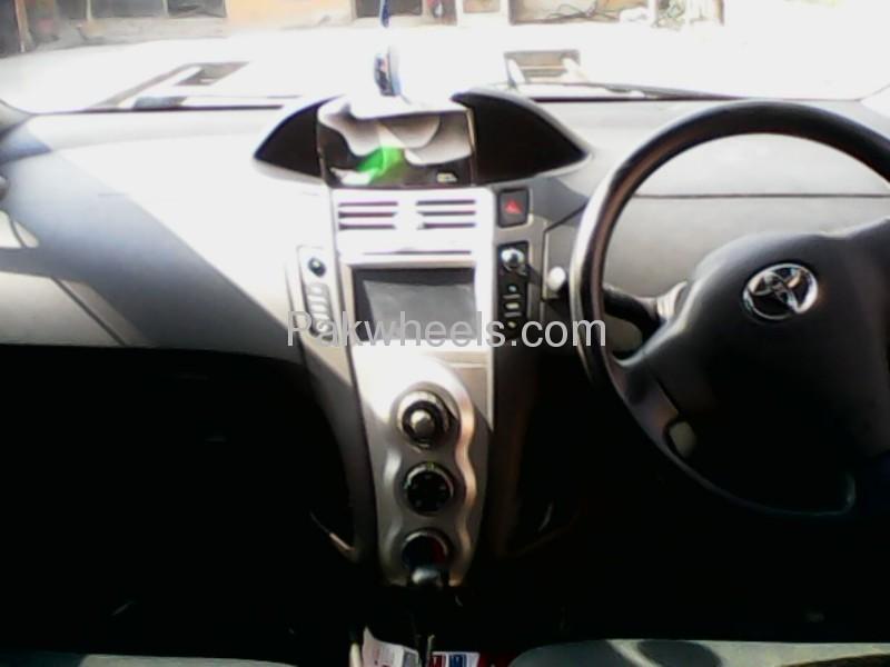 Toyota Vitz 2008 Image-7