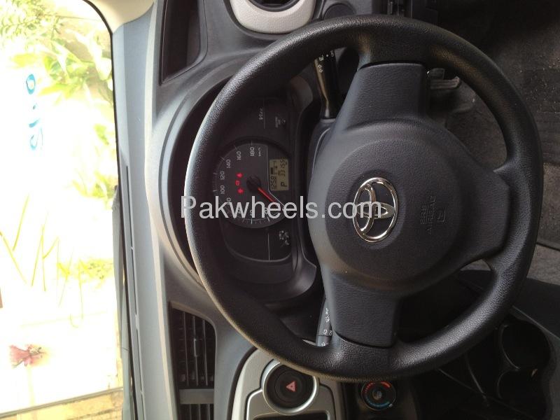 Toyota Vitz Jewela 1.0 2013 Image-8