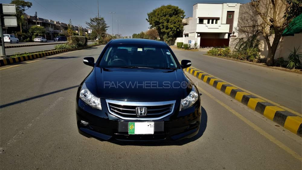 Honda Accord 24TL 2011 Image-1