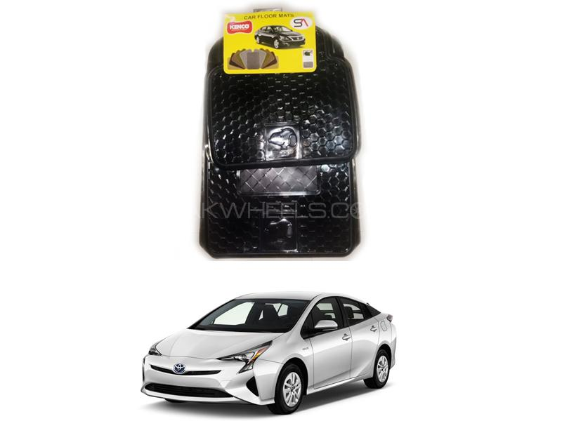 Kenco Pvc Snoopy Floor Mats For Toyota Prius in Lahore
