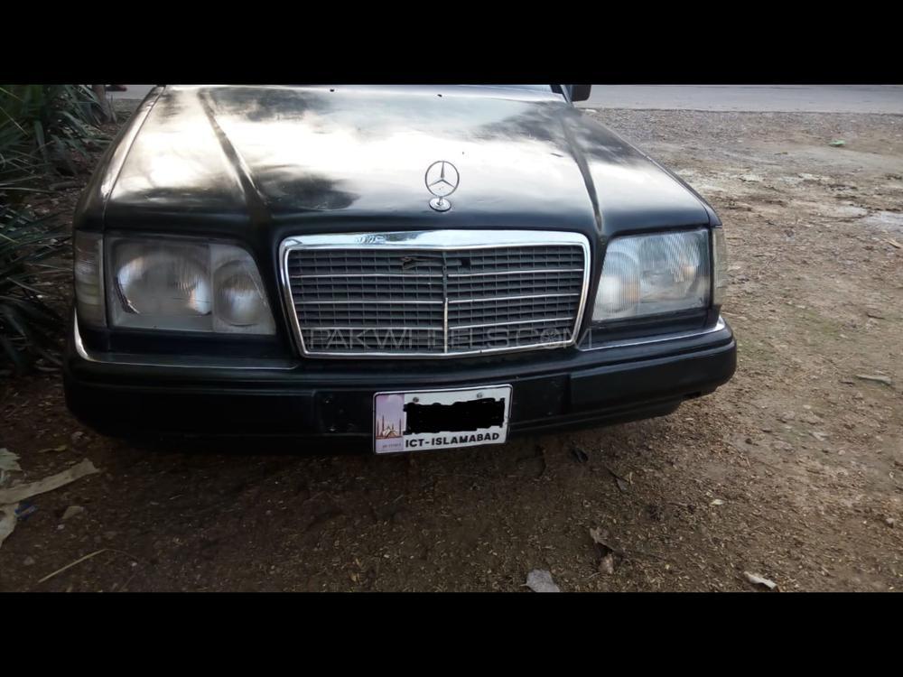 Mercedes Benz E Class E250 1989 Image-1