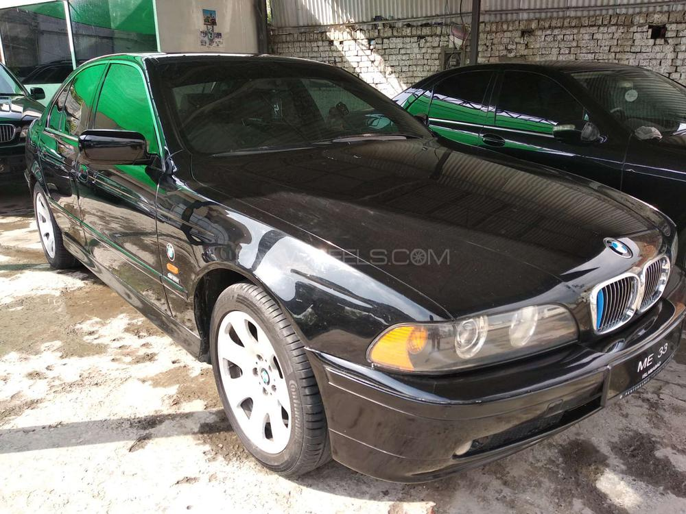 BMW 5 Series 530i 2002 Image-1