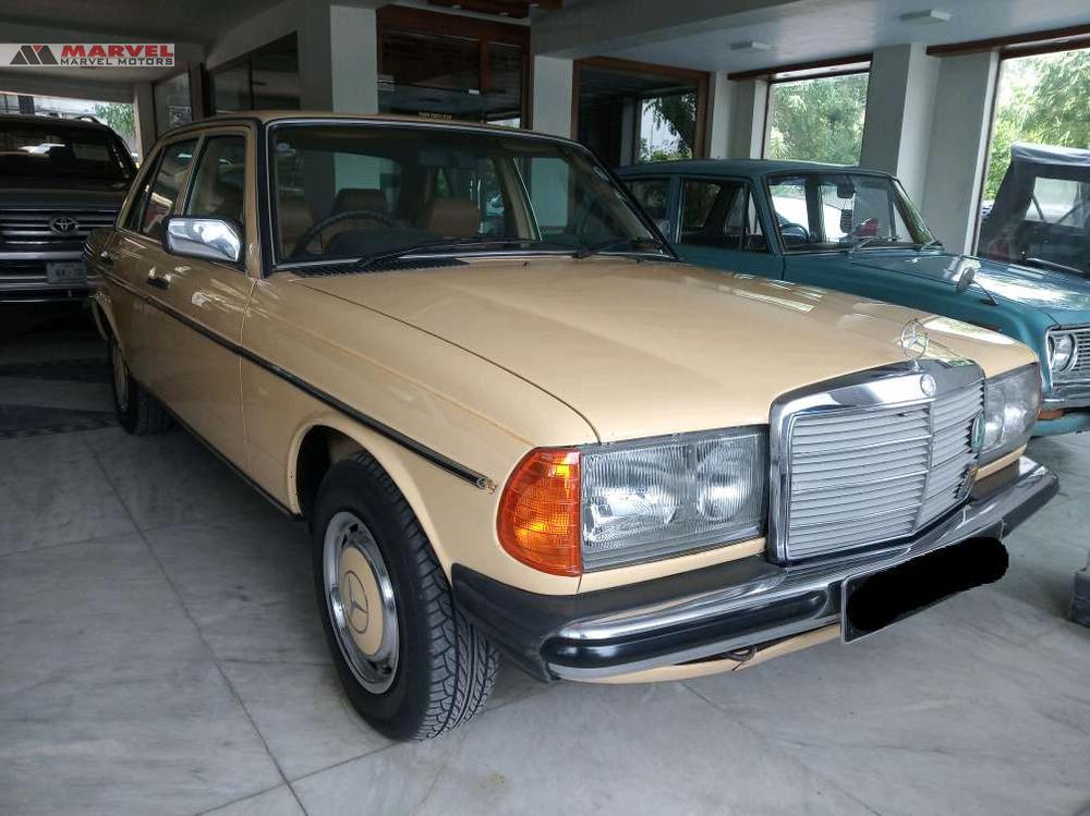 Mercedes Benz E Class E240 1984 Image-1