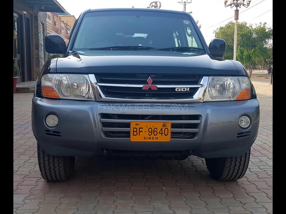 Mitsubishi Pajero GLX 3.5 2005 Image-1