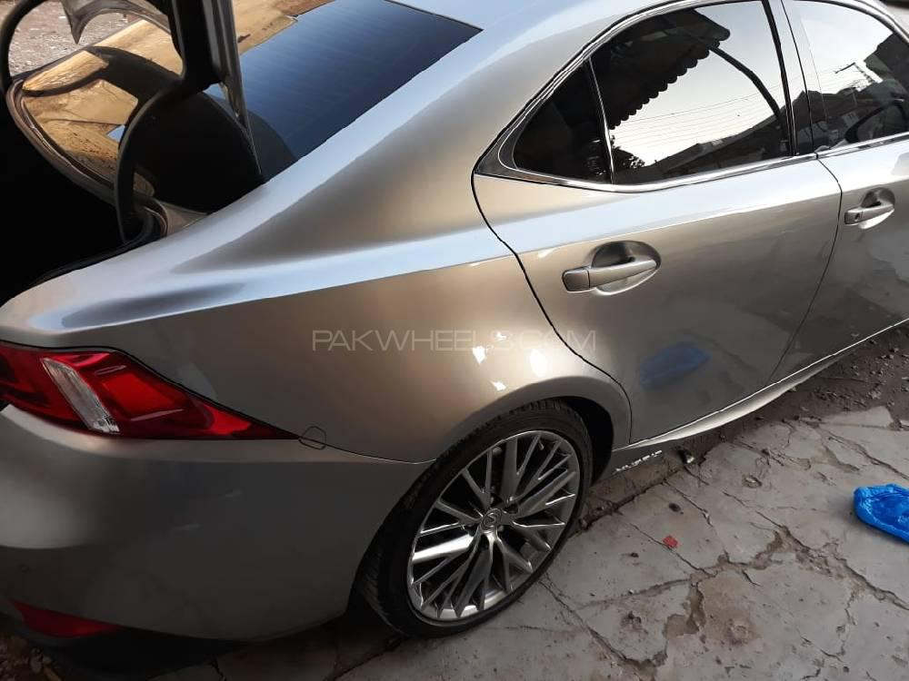 Lexus LX Series 2015 Image-1