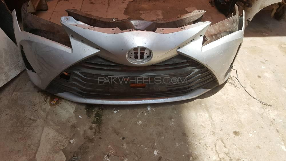 toyota vitz 2017 front bumper with grill Image-1