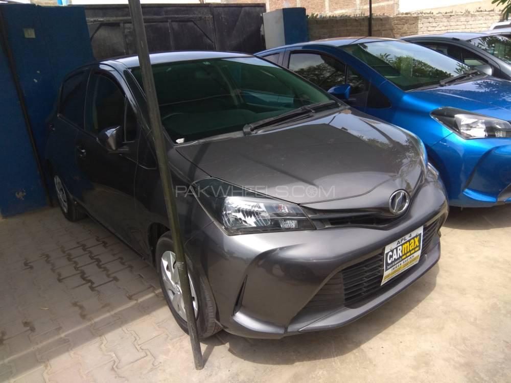 Toyota Vitz F Limited 1.0 2015 Image-1