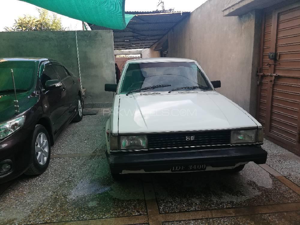 Toyota Corolla DX Saloon 1983 Image-1