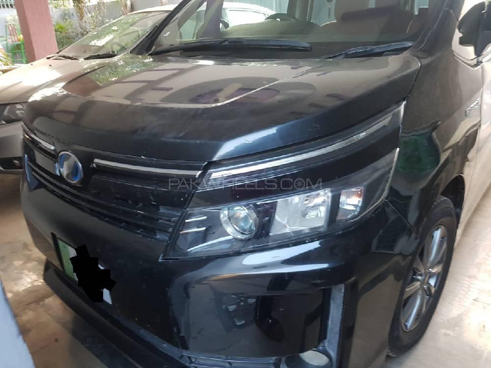 Toyota Voxy 2014 Image-1