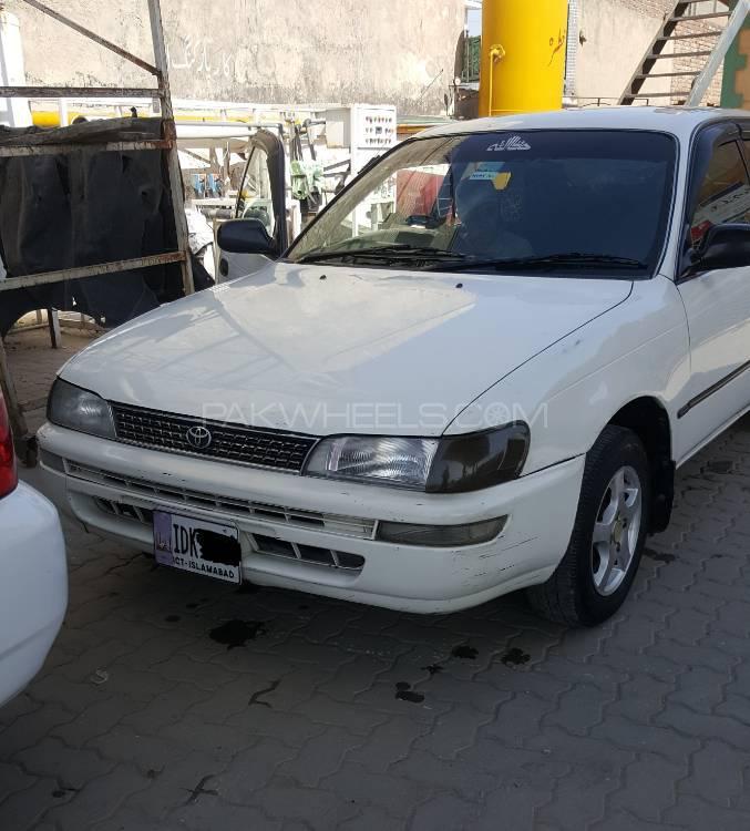 Toyota Corolla GL 2000 Image-1