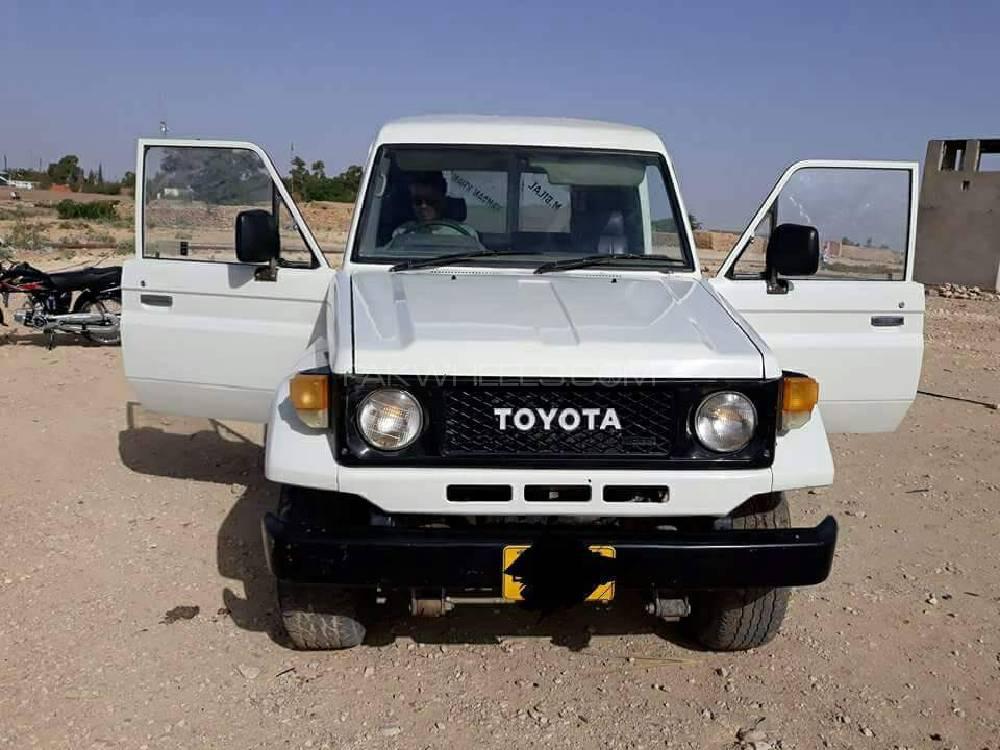 Toyota Land Cruiser FJ40 1989 Image-1