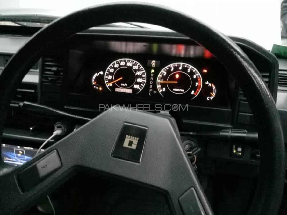 Toyota Corolla 1985 Image-1