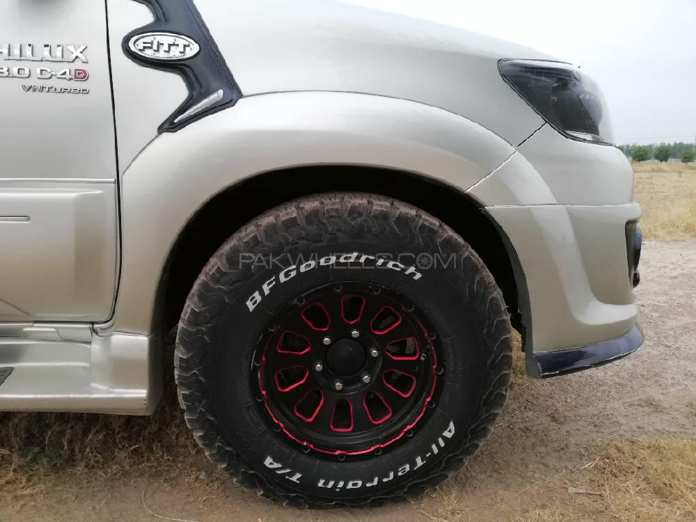 Toyota Hilux 2014 Image-1