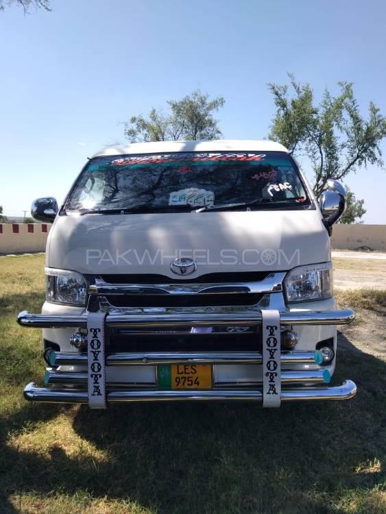 Toyota Hiace TRH 214 2014 Image-1