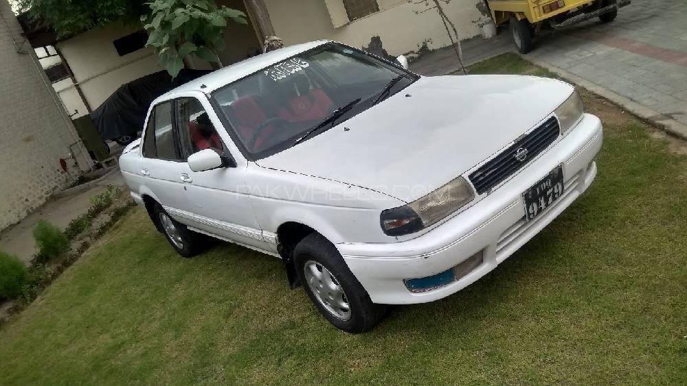 Nissan Sunny EX Saloon 1.6 1993 Image-1