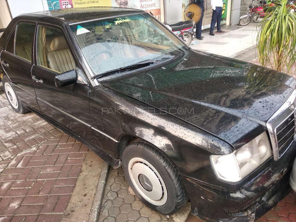 Mercedes Benz C Class C200 1992 Image-1