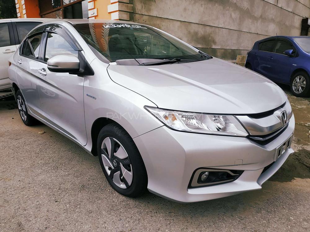 Honda Grace Hybrid 2015 Image-1