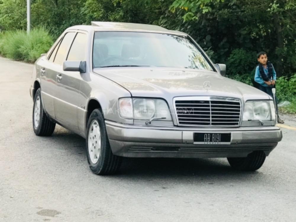 Mercedes Benz E Class E230 1995 Image-1