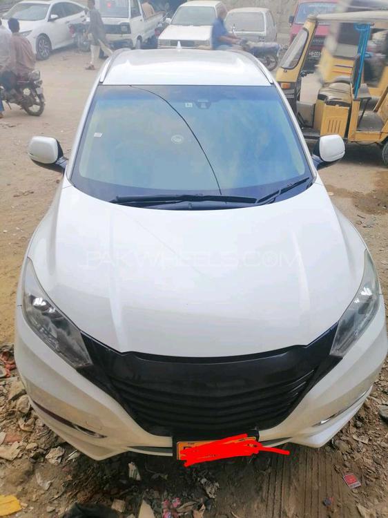 Honda Vezel X 2013 Image-1
