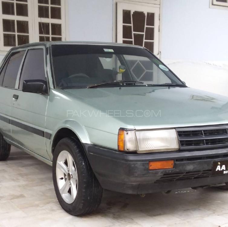 Toyota Corolla DX Saloon 1984 Image-1