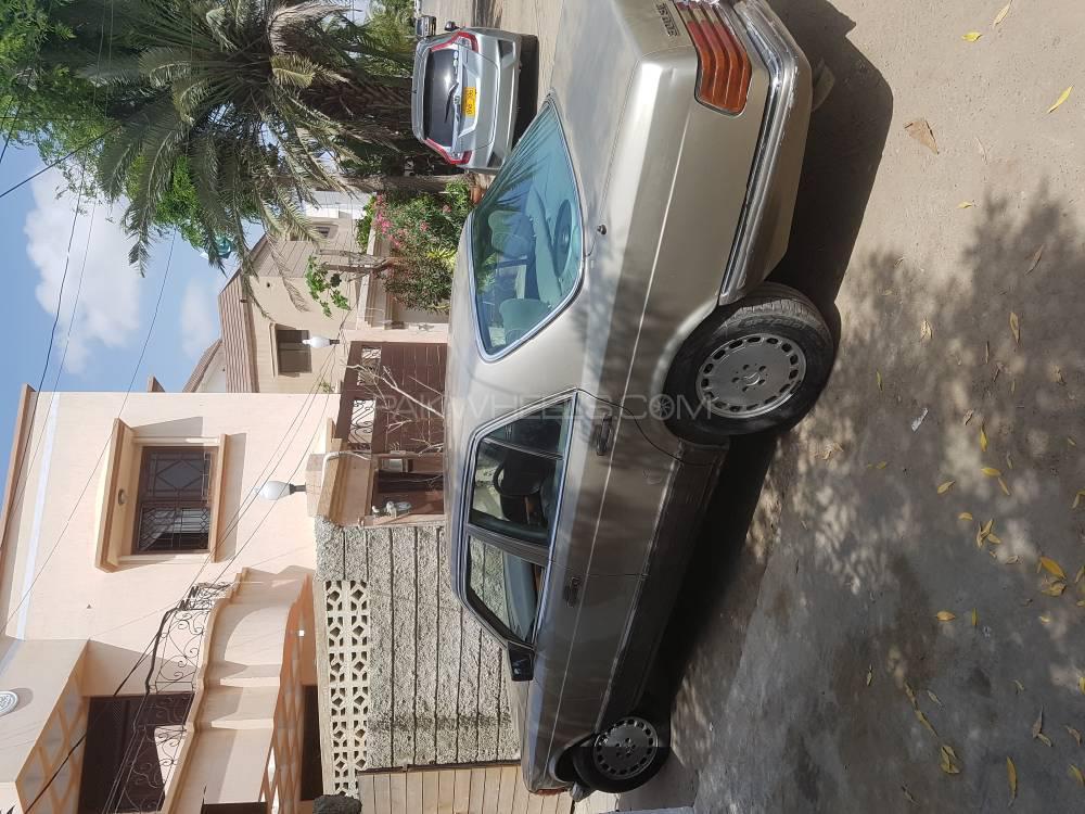 Mercedes Benz Se 220 1985 Image-1