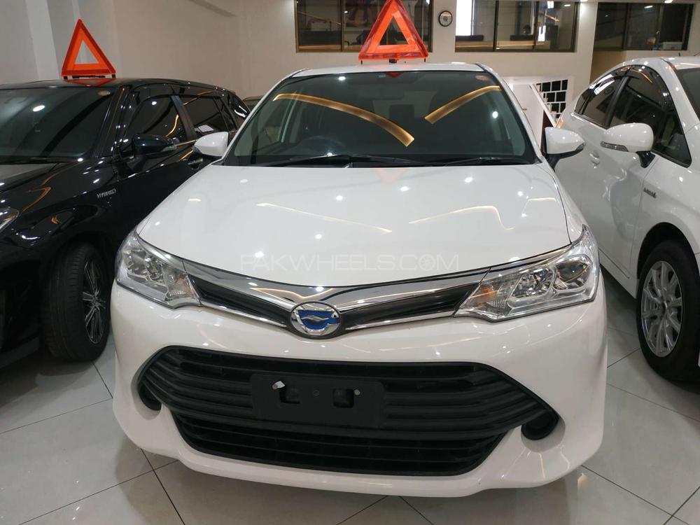 Toyota Corolla Axio X 1.5 2015 Image-1