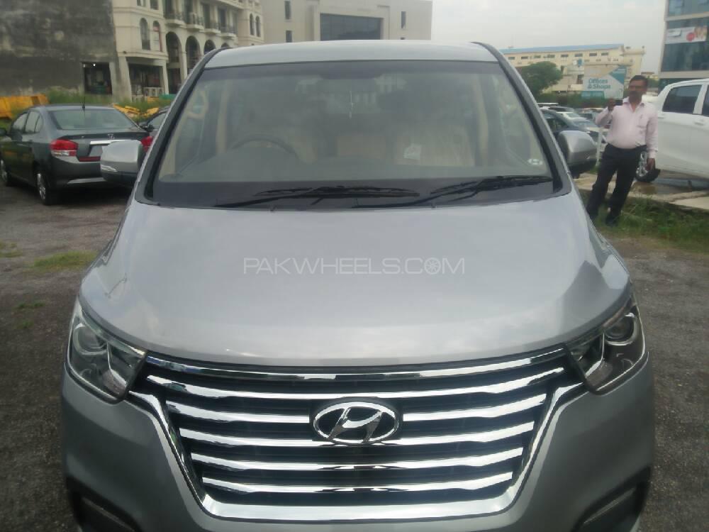 Hyundai Grand Starex GLX 2019 Image-1