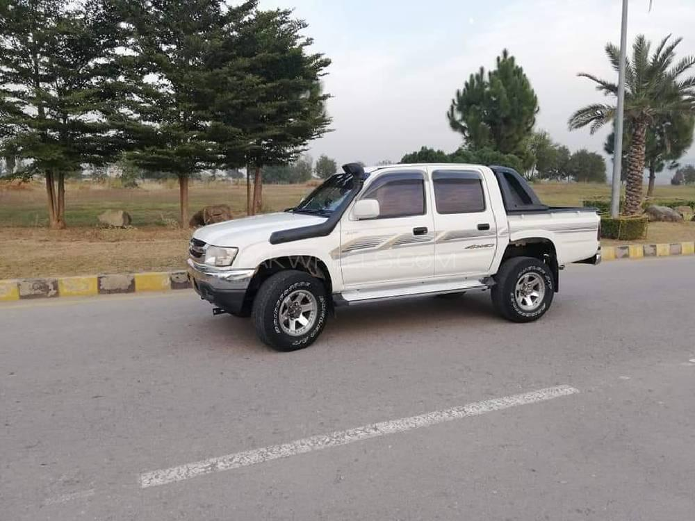 Toyota Hilux Double Cab 2003 Image-1