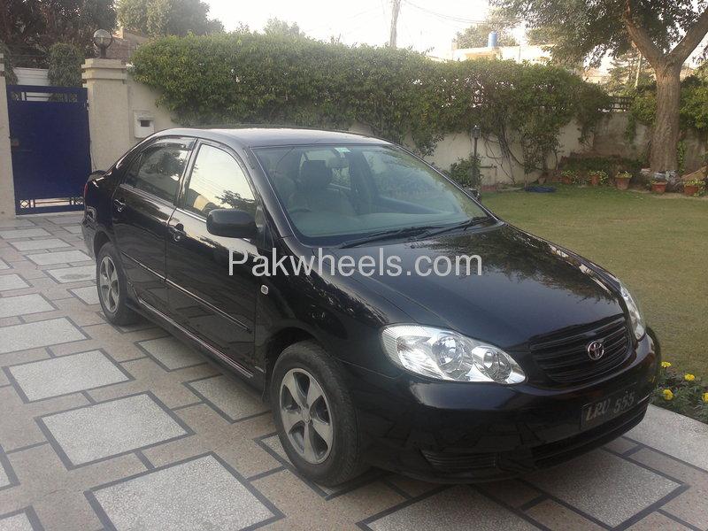 Toyota Corolla SE Saloon 2003 Image-2