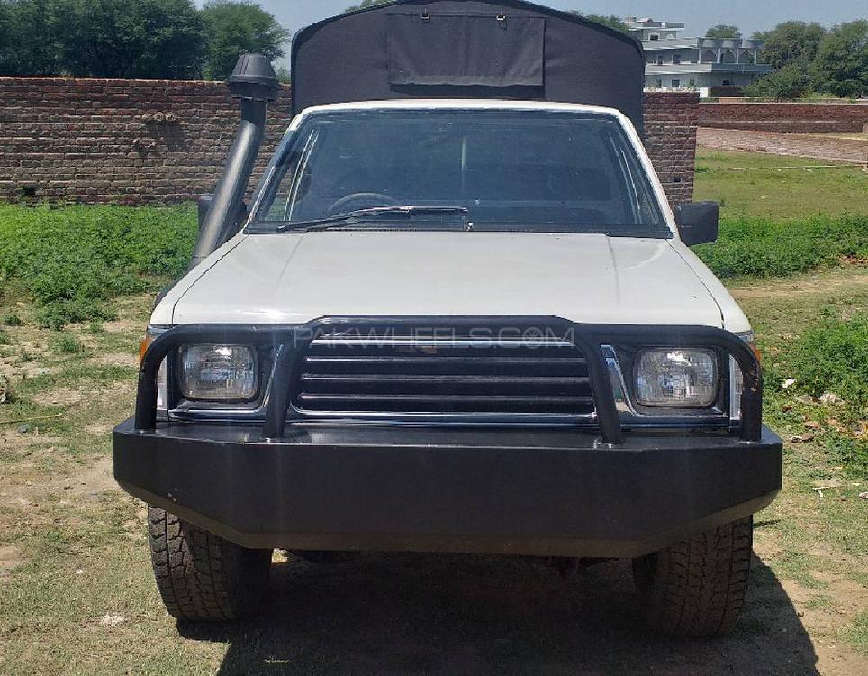 Mitsubishi L200 2.5 D/C Turbo 2000 Image-1
