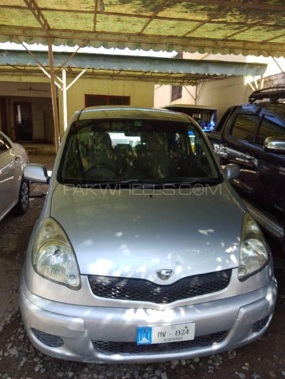 Toyota Vitz F 1.3 2003 Image-1