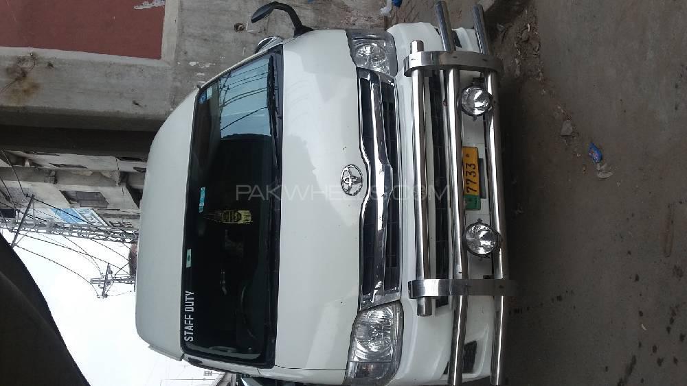 Toyota Hiace TRH 228 2011 Image-1